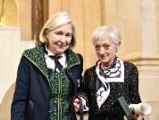 Remise du Prix mondial Cino Del Duca de la Fondation Simone et Cino Del Duca à Sylvie Germain par Florence Delay (Académie française) / Photographie : Laurence de Terline<br />